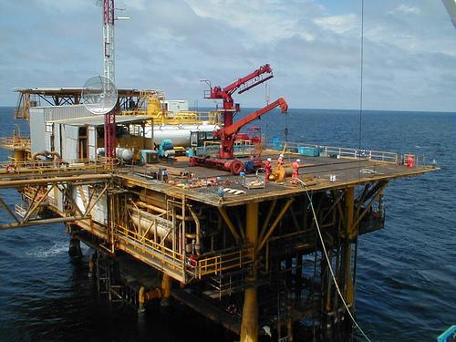Imagen 1: Barco petrolero en las aguas de Cabinda (Angola). Autor: Tom Jervis