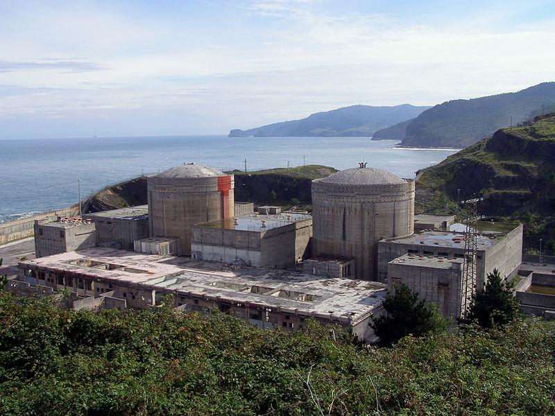 800px-Central_nuclear_de_Lemóniz_(Vista_Oeste)